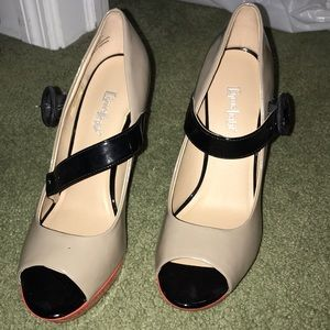 Cute heels only worn once